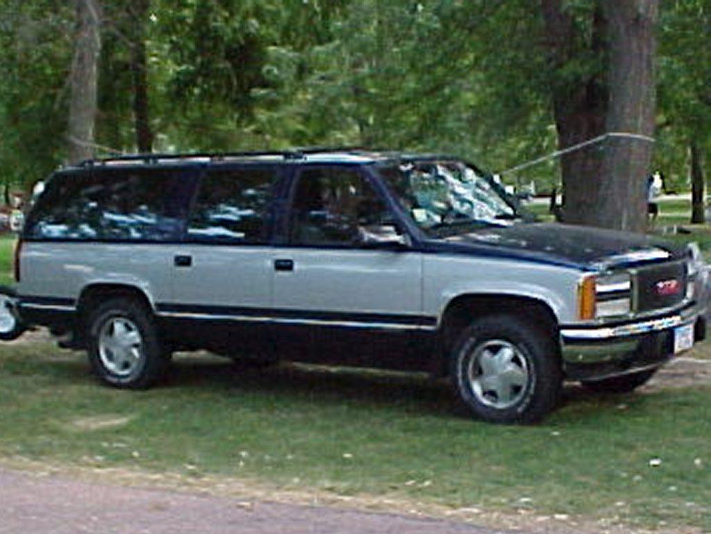 1993 GMC Suburban SLE